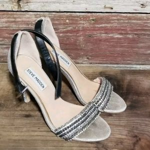 Steve madden heel sandals Size 6